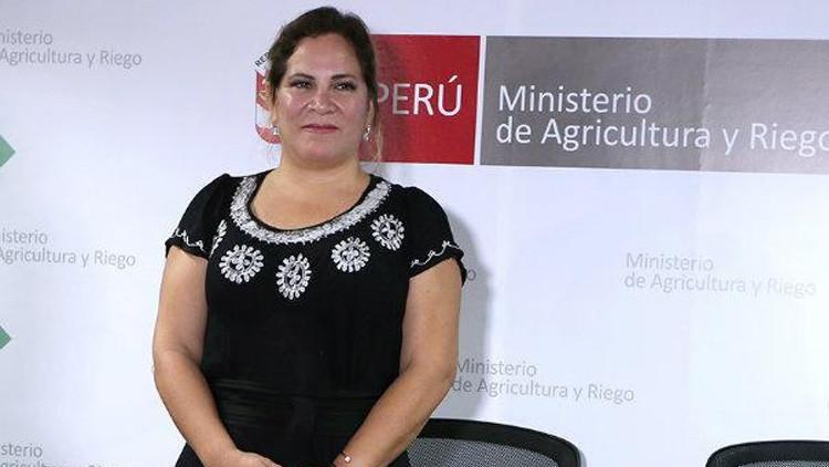 Ministerio peruano pide investigar a la viceministra que se bronceaba en plena emergencia nacional