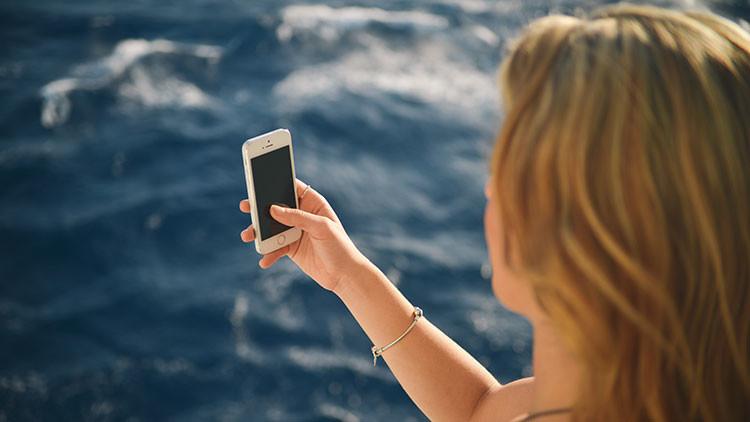 Se toma una selfi en traje de baño y descubre que tiene un peligroso cáncer de piel