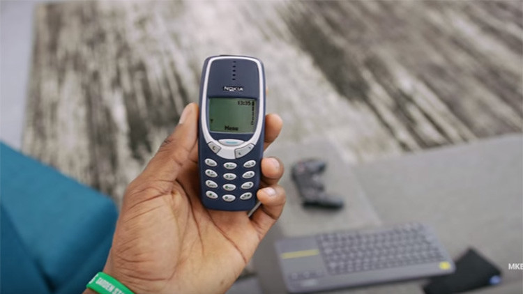 """Demuestran que el Nokia 3310 es """"el mejor teléfono de todos los tiempos"""""""