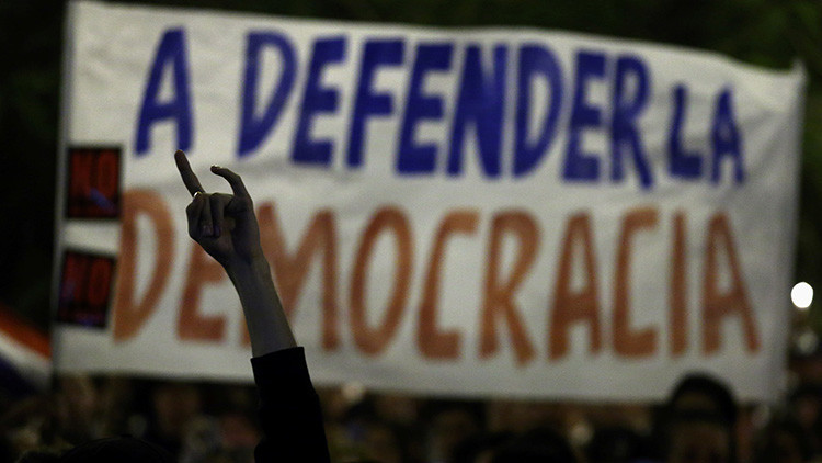¿Una reelección en veremos? Lo que hay detrás de la crisis política en Paraguay