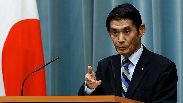 """""""¡Salga y no regrese jamás!"""": Un ministro japonés pierde los nervios con un periodista (VIDEO)"""