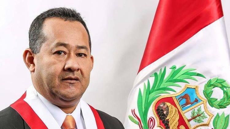 """Congresista peruano: """"El Alzheimer se da en personas que estudiaron y leyeron mucho"""""""
