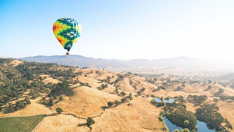 Turquía: Al menos un muerto al caer un globo aerostático con turistas de Colombia y de Francia