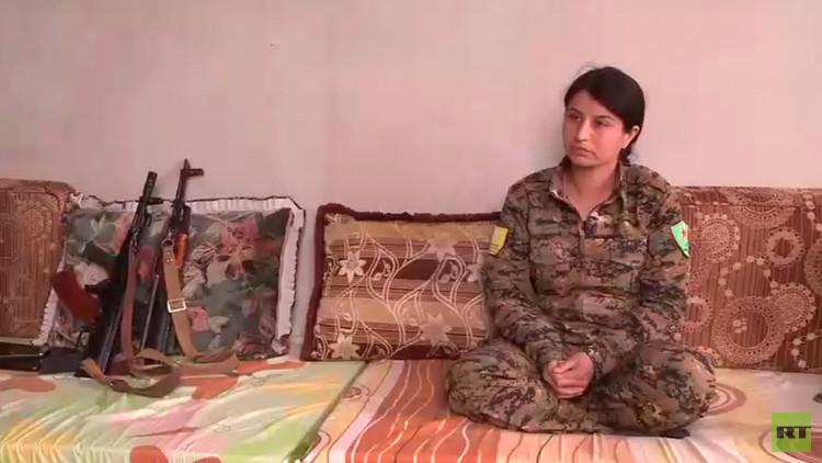 """""""Todas las masacres son cometidas por el EI"""": RT habla con una comandante kurda que lucha en Siria"""