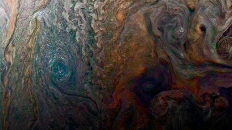 Fotos: La sonda espacial Juno fotografía un gigantesco torbellino en Júpiter