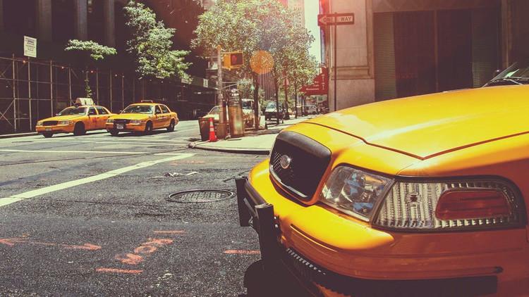 EE.UU.: Detienen a una mujer por violar y robar a un taxista