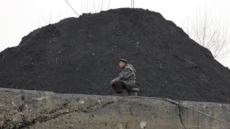 China ordena devolver a Corea del Norte los barcos cargados con carbón