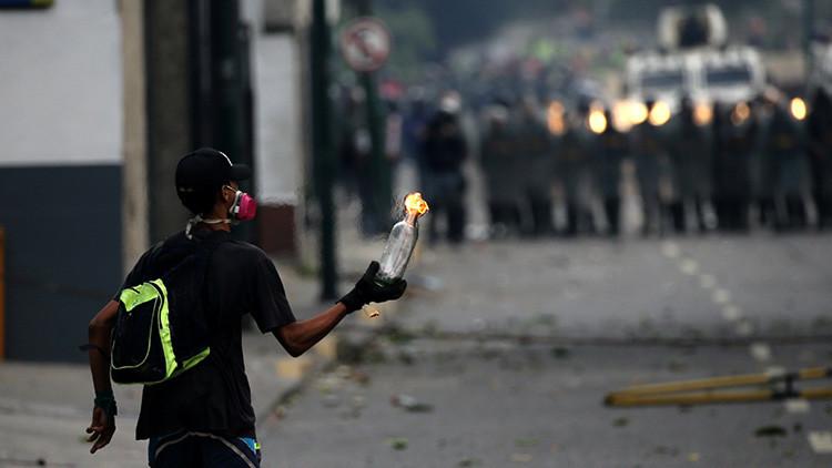 ¿Qué persigue la violencia generada en Caracas?