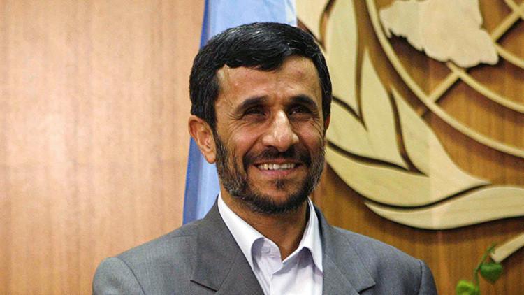 Ahmadineyad se registra como candidato presidencial para las elecciones de Irán