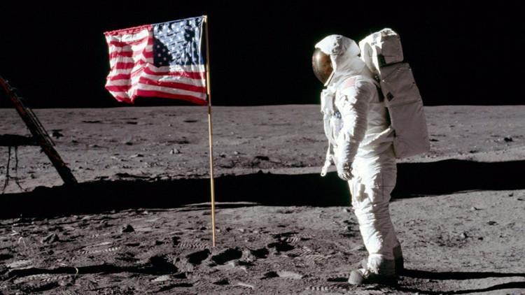 ¿Qué está pasando con las banderas que EE.UU. plantó en la Luna? (FOTO)