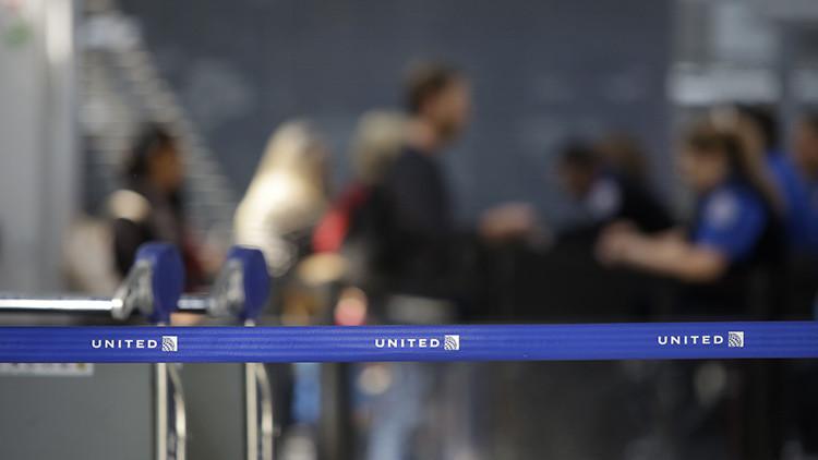 El pasajero que fue expulsado violentamente del avión de United necesita cirugía plástica