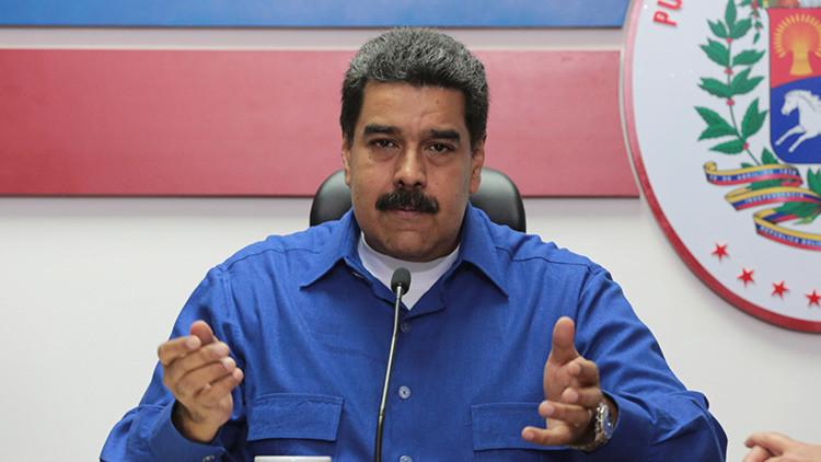 Periodista venezolano pide a los manifestantes gritar contra Maduro en pleno directo (VIDEO)