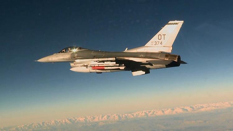 EE.UU. probó por primera vez la bomba termonuclear B61-12 desde un avión F-16