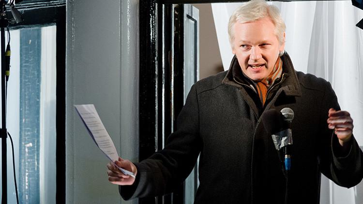Assange ridiculiza las críticas del director de la CIA sobre WikiLeaks