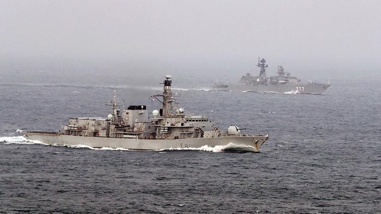 '¡Vienen los rusos!': El paso de 4 buques de Rusia por aguas internacionales alarma al Reino Unido