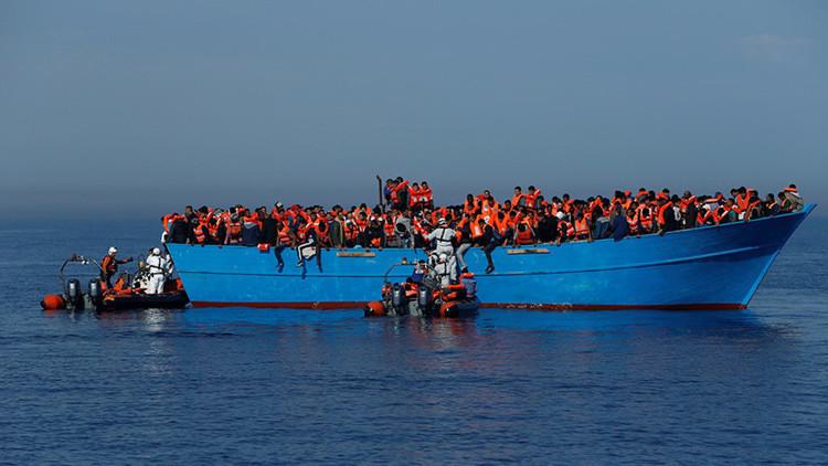 Rescatan a miles de inmigrantes por segundo día consecutivo en el mar Mediterráneo (FOTOS)