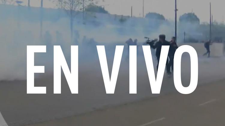 EN VIVO: Bombas de humo y petardos en protestas contra Le Pen en París