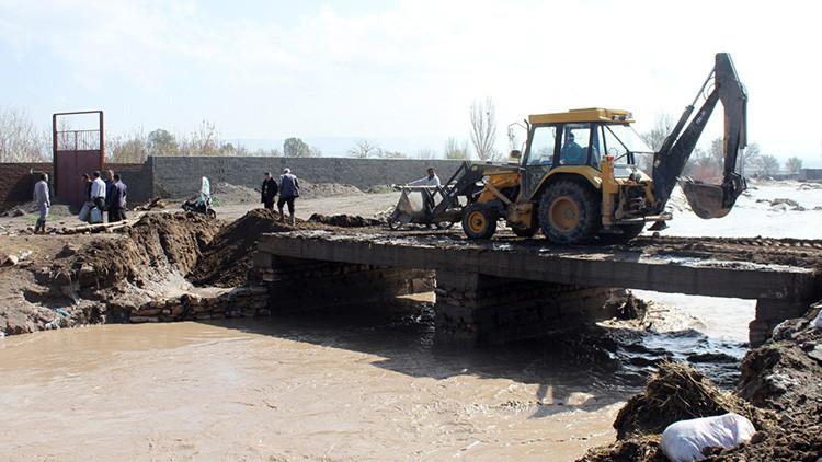 Inundaciones en Irán dejan al menos 40 muertos (VIDEO, FOTOS)