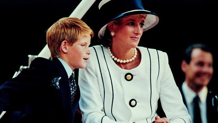 El príncipe Enrique de Gales revela cómo la muerte de Lady Di afectó su vida