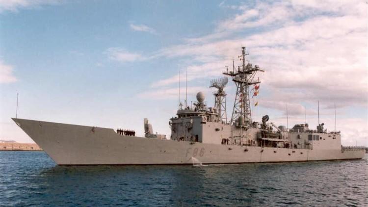 Puñaladas a bordo: el sargento gay de la Armada española que se cansó de sufrir burlas