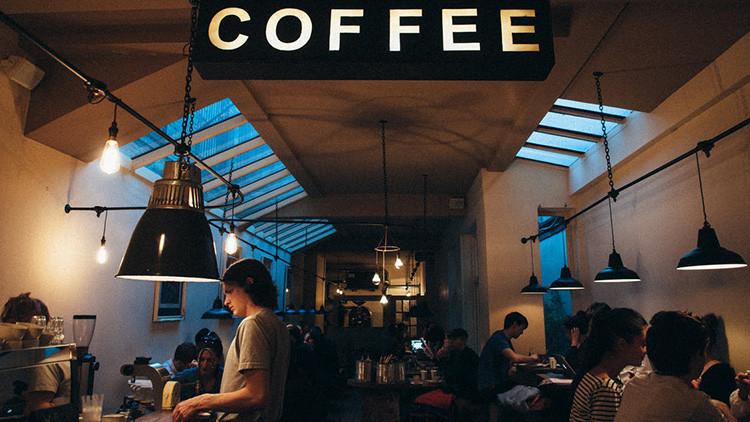 """""""No se admiten perros ni mexicanos"""": El reclamo de una cafetería que desató un conflicto diplomático"""