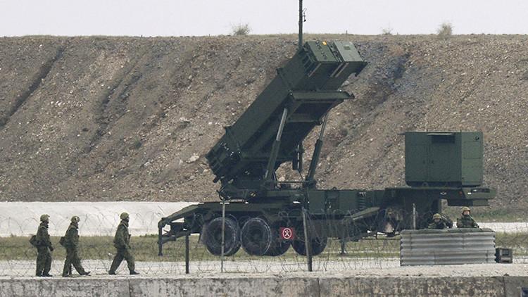 Japón considera la posibilidad de responder militarmente a un ataque norcoreano con misiles