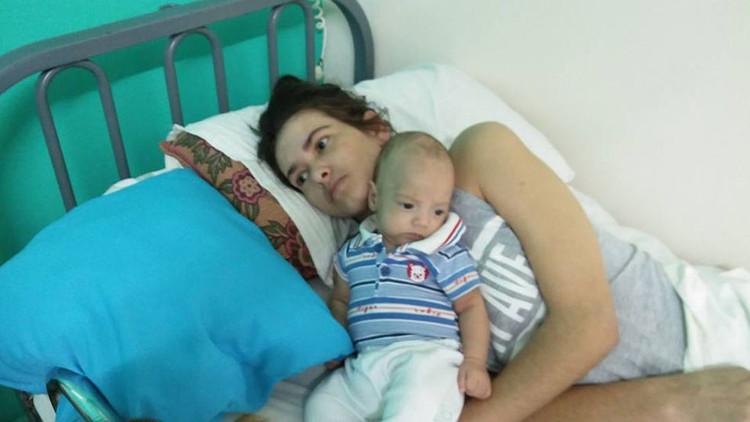 Una argentina da a luz en coma y conoce a su bebé 3 meses después