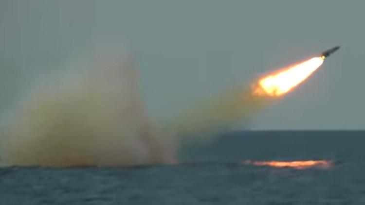 Video: Rusia publica lanzamientos de misiles de la fragata rusa Admiral Makárov