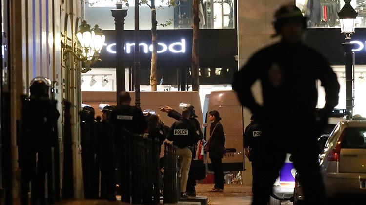 VIDEO: Se registra un segundo tiroteo en los Campos Elíseos parisinos