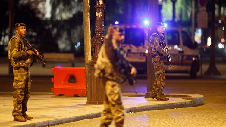 FOTO: La instantánea captada tras el tiroteo en París que conmociona a los internautas