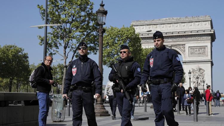 """Político francés: """"¿Un atentado en Francia? Pregúntenle al Sr. Putin"""""""