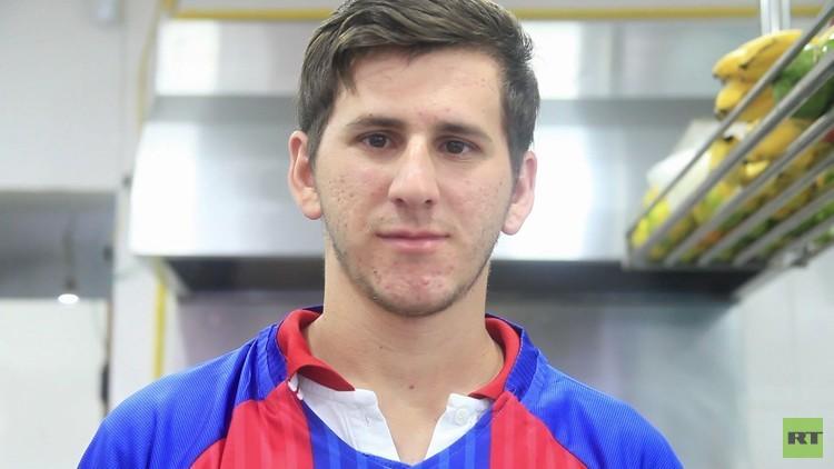 ¿Es él?: Un joven 'revienta' la Red por su gran parecido con el astro argentino Lionel Messi (VIDEO)