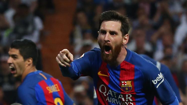 El FC Barcelona vence al Real Madrid en el Santiago Bernabéu y alcanza el primer lugar en La Liga