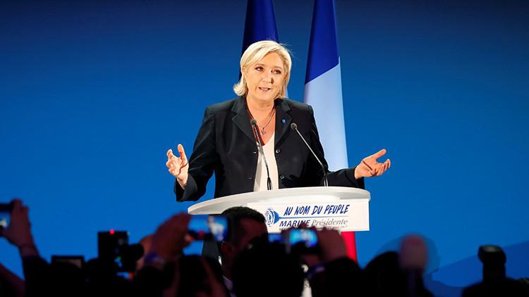 Un alcalde francés amenaza con dimitir al conocer que su ciudad votó masivamente a Marine Le Pen