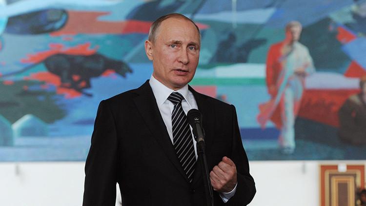 Putin compara su trabajo con la vida marina del pez diablo y el pez ángel