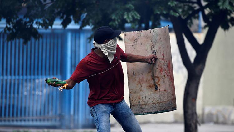 """""""Hay una naturalización del mal en la información sobre protestas en Venezuela"""""""