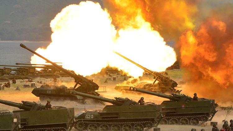Corea del Norte celebra su mayor fiesta militar con un fuego real de artillería (FOTOS)