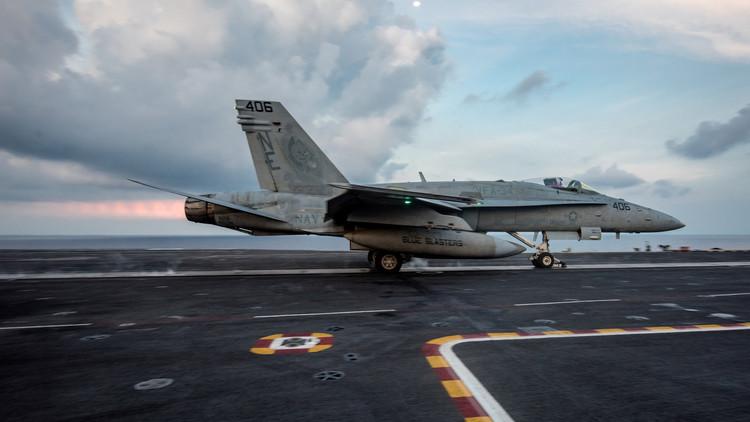 El Pentágono revela cuántas horas tardarían los cazas del Carl Vinson en alcanzar Corea del Norte