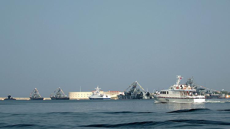 Un buque de reconocimiento de la Armada rusa se hunde tras chocar con un barco en el Mar Negro