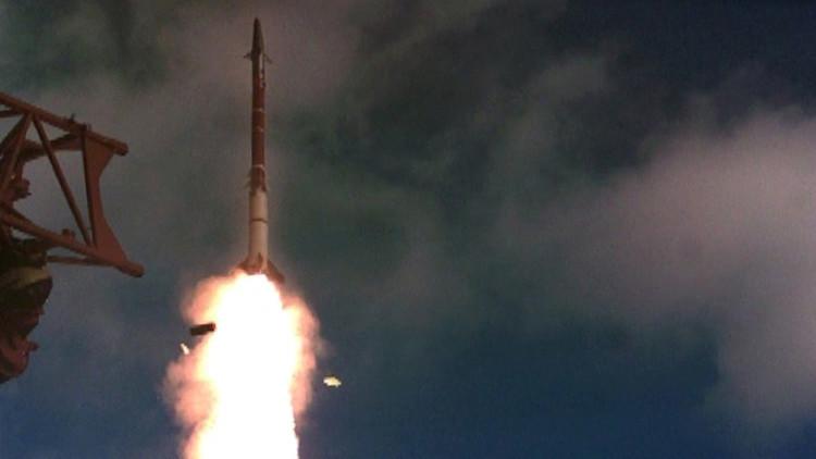 """Israel """"intercepta un objetivo"""" con un misil en los Altos del Golán"""