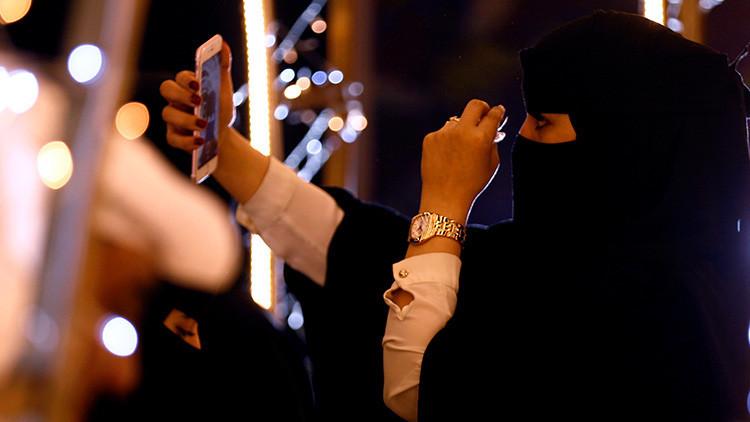 """Presidente austríaco: """"Un día deberemos pedir a todas las mujeres usar un velo por solidaridad"""""""