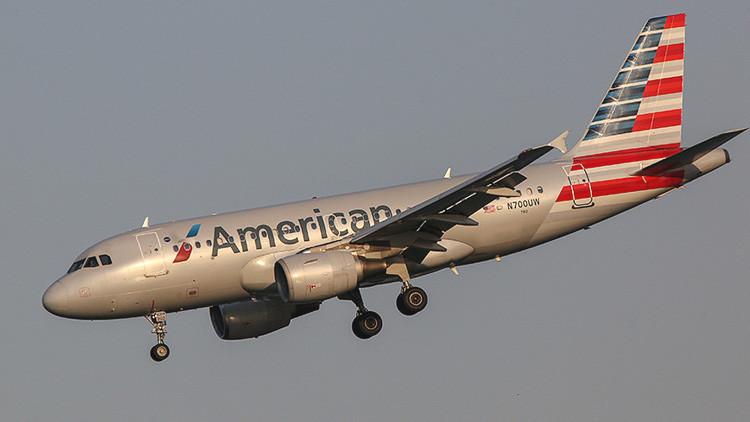 Un vuelo de American Airlines regresa a Manchester tras declarar emergencia a bordo (video)