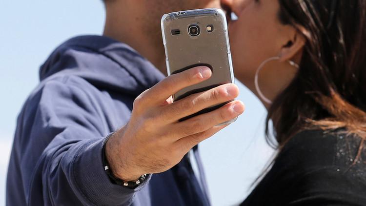 'Hoy no, Satán': el selfi de una pareja horroriza la Red (FOTO)