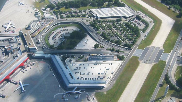 Los vuelos con destino al Aeropuerto de Tegel en Berlín, desviados por una maleta sospechosa