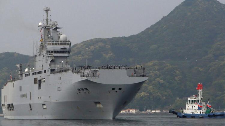 Buque francés de asalto Mistral arriba a Japón en medio de la tensión en la región