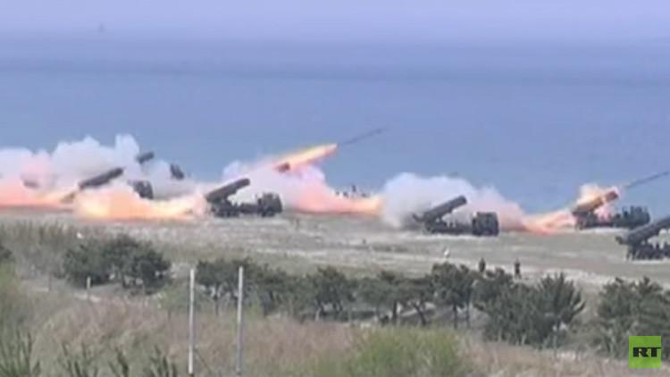 Corea del Norte difunde impresionantes imágenes de su poderío militar (Video)