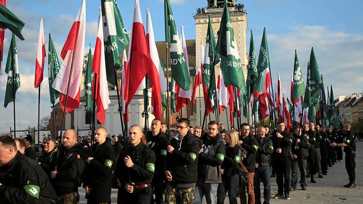 VIDEO: Antifascistas y ultranacionalistas se manifiestan paralelamente en Varsovia