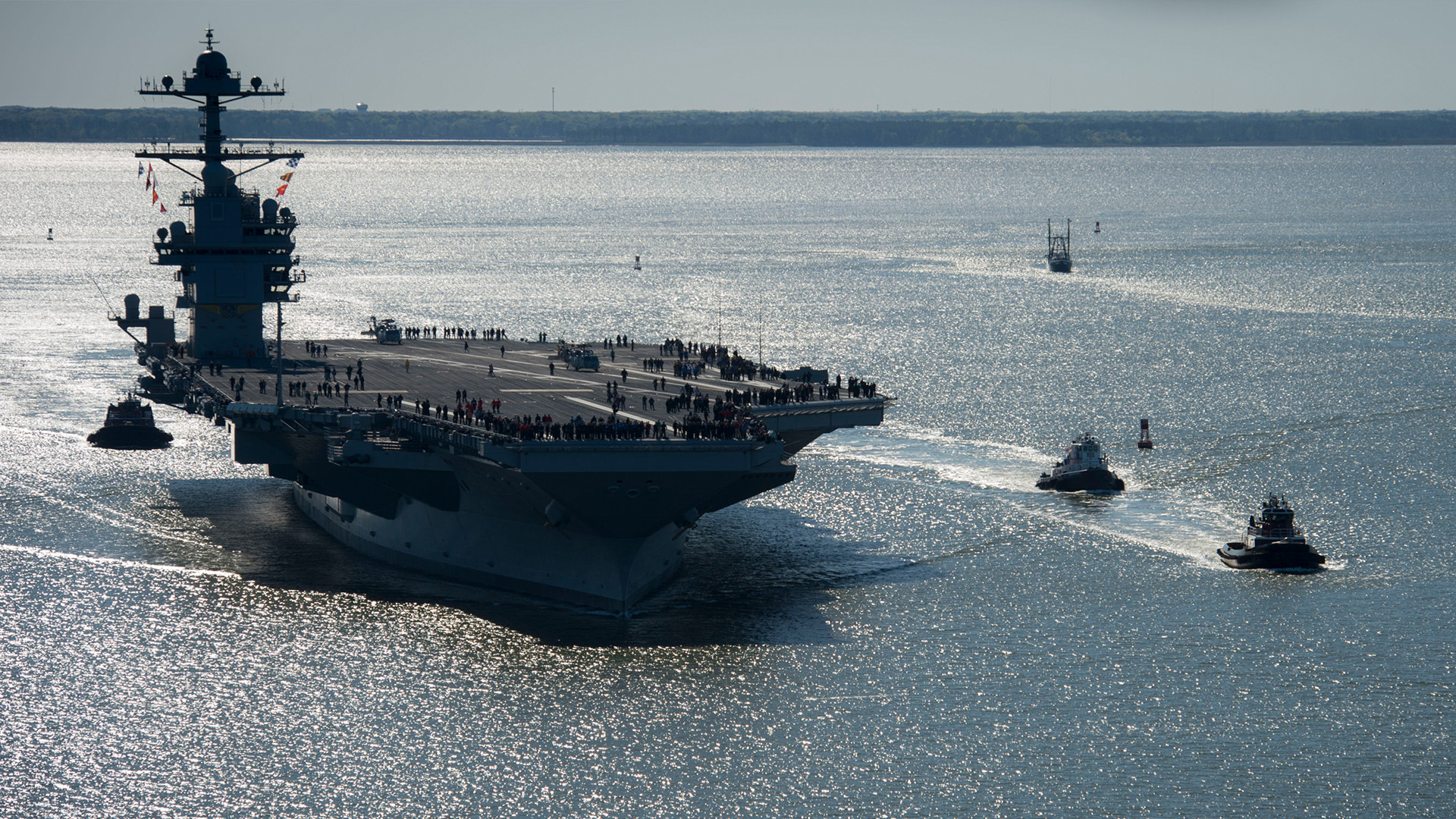 Cómo EE.UU. 'lleva la democracia' en portaaviones (y por qué con Corea del Norte no funcionará)