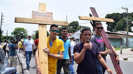 Inmigrantes cubanos y centroamericanos marchan en Tapachula (estado de Chiapas, México) 6.04.2017