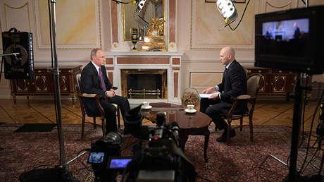 El presidente ruso, Vladímir Putin, concede una entrevista a la cadena MIR